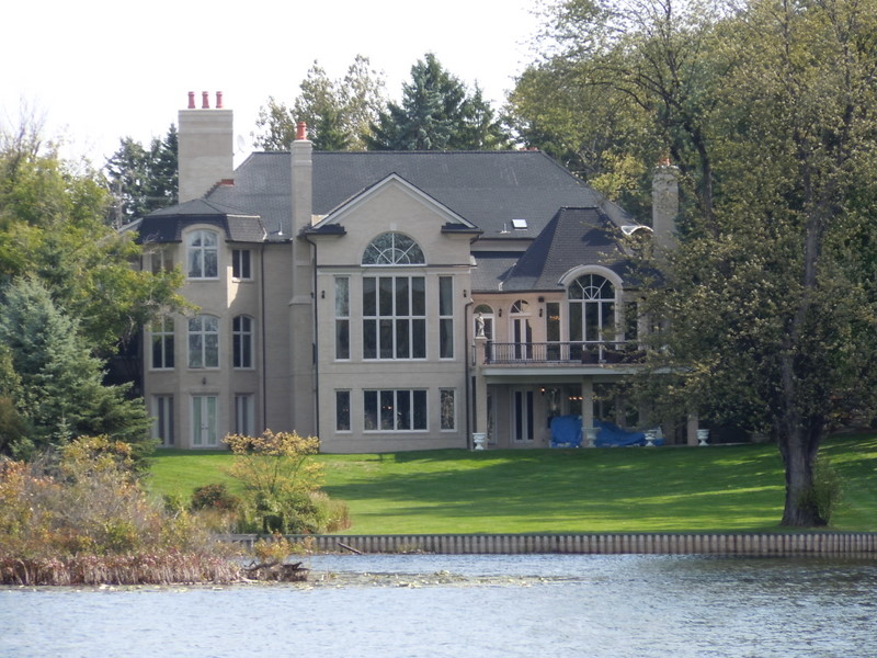 Lower long lake bloomfield twp michigan for Michigan home builders