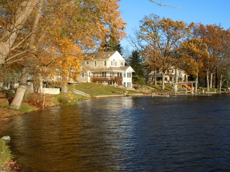 Big Lake Waterfront Homes in Davisburg Michigan